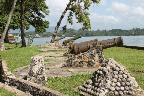 More cannons outside the fort walls.