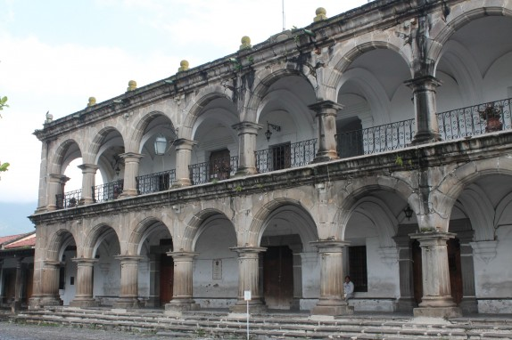 This building is right by Parque Central, a spacious outdoor square surrounded by beautiful architecture.