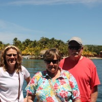 Toni, Faye and Carl enjoying the Roatan sun.